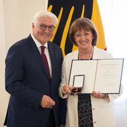 Bild-Bundesverdienstkreuz
